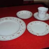China dishes for sale in Dover DE by Garage Sale Showcase Member Has It All And Some