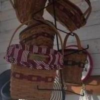 Longaberger Basket Set of 6 with hanger for sale in Monticello IN by Garage Sale Showcase member cmsmith7142, posted 10/06/2018