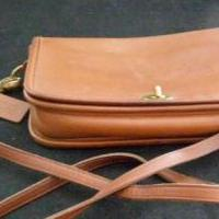 Coach purse in tan leather for sale in Antrim County MI by Garage Sale Showcase member 3Musketeers, posted 02/15/2019