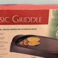 Classis electric griddle for sale in Rochester MI by Garage Sale Showcase member Lila Rene, posted 03/09/2019