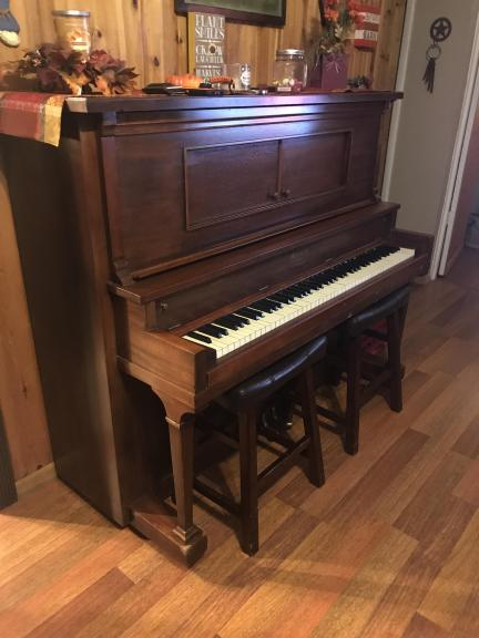 Antique player piano for sale in Midlothian TX
