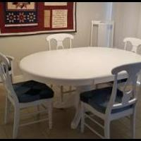 Oak Dinning Room Talblae and 6 Chairs for sale in Cape Coral FL by Garage Sale Showcase member akabu2, posted 03/14/2019