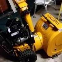 "Poulan pro 24""   2stage elc. Start snowblower for sale in Dubuque IA by Garage Sale Showcase member Spokane1962, posted 12/19/2018"