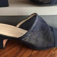 Navy pumps for sale in Edmond OK by Garage Sale Showcase member Loveshoes, posted 03/14/2019