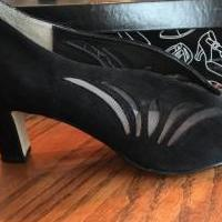 Leather Upper black shoes for sale in Edmond OK by Garage Sale Showcase member Loveshoes, posted 03/11/2019