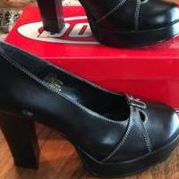 Black Shoes for sale in Edmond OK by Garage Sale Showcase member Loveshoes, posted 03/11/2019