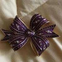 Bow pin for sale in South Burlington VT by Garage Sale Showcase member Aprilgirl, posted 03/27/2019