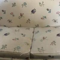 Love seat for sale in Cranford NJ by Garage Sale Showcase member Yllehs, posted 03/30/2019