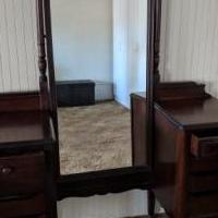Antique  Bedroom Vanity for sale in York SC by Garage Sale Showcase member Filbert, posted 02/13/2019