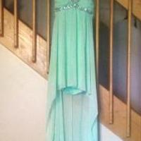 Prom dress for sale in Middleton MI by Garage Sale Showcase member Elizabethleslie101, posted 10/12/2018