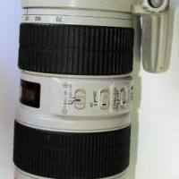 Canon zoom 70-200 mm lens IS 1 :2.8 L for sale in Clifton Heights PA by Garage Sale Showcase member seaone320, posted 11/21/2018