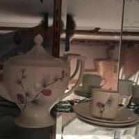 Antique teapot set for sale in Shamokin PA by Garage Sale Showcase member Speedyjoe2009, posted 02/15/2019
