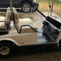 Club car electric golf cart for sale in Elkhart IN by Garage Sale Showcase member Dmosiman, posted 11/19/2018
