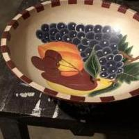 Wooden fruit bowl for sale in Newport TN by Garage Sale Showcase member PMartin1246, posted 06/04/2019