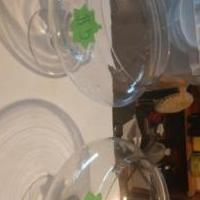 Glass bowls for sale in Inverness FL by Garage Sale Showcase member Bestoy2002, posted 12/10/2018