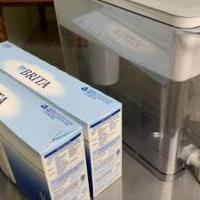 Brita 1 gallon water filter dispenser and 10 filters for sale in Vero Beach FL by Garage Sale Showcase member Janetlvb, posted 03/31/2019