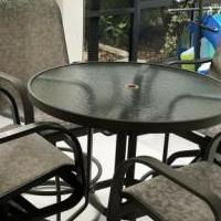 Patio table for sale in Fort Myers FL by Garage Sale Showcase member WALKIN01Taylor10!, posted 10/14/2018
