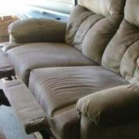 Recliner love seat for sale in Custer SD by Garage Sale Showcase member Miloseller, posted 04/14/2019