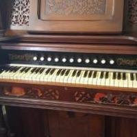 Organ for sale for sale in Sheridan IN by Garage Sale Showcase member Mbcox10, posted 06/24/2019