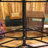 Flat screen TV stand for sale in Pinetown NC by Garage Sale Showcase member Thankful, posted 06/09/2019