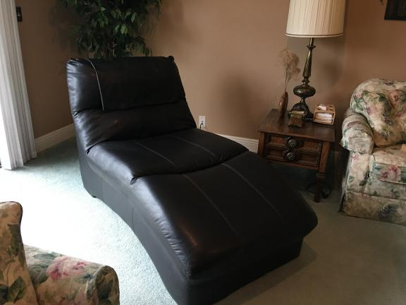 Leather Lounge chair for sale in Sullivan IL