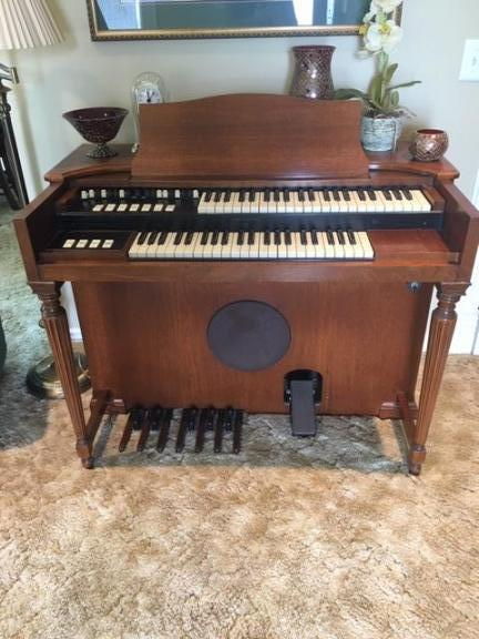 FREE HAMMOND ORGAN-DOES NOT WORK for sale in Luck WI