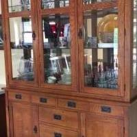 Dining Room Hutch for sale in Pinckney MI by Garage Sale Showcase member Abbysmom, posted 05/31/2019