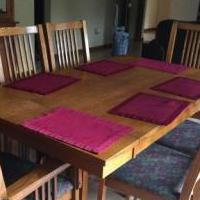 Dining Table for sale in Pinckney MI by Garage Sale Showcase member Abbysmom, posted 05/31/2019