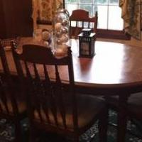 Dining Room Table for sale in Clayton IN by Garage Sale Showcase member Heinzb, posted 07/22/2019