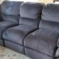 Bob's Furniture Sofa Recliner Memory Foam for sale in Somerset NJ by Garage Sale Showcase member Vandy7, posted 04/18/2019