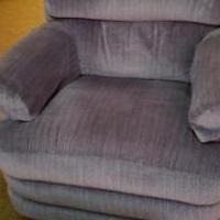 Recliner for sale in Urbana OH by Garage Sale Showcase member Cheryl McCreary, posted 06/09/2019