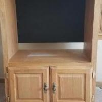 Oak cabinet for sale in South Saint Paul MN by Garage Sale Showcase member hermanson, posted 08/17/2019