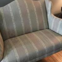 Love seat for sale in Queensbury NY by Garage Sale Showcase member Stephane, posted 05/14/2019