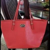Nine West Tote Bag for sale in Melbourne FL by Garage Sale Showcase member Beaapron, posted 07/21/2019
