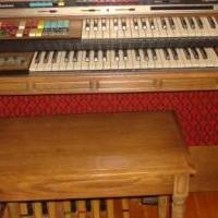 Electric organ for sale in Saint Marys PA by Garage Sale Showcase member 3goodbusiness, posted 06/02/2019