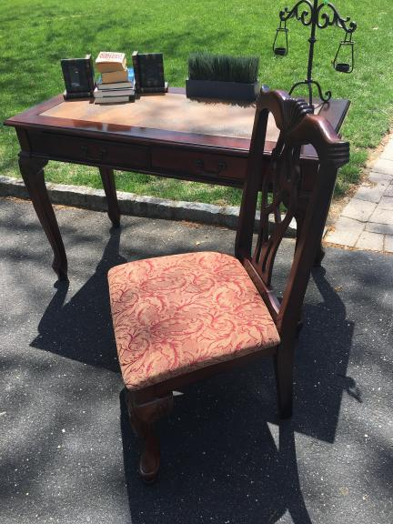 Desk and Chair for sale in Toms River NJ