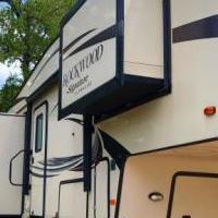 2015 FOREST ROCKWOOD 5TH WHEEL for sale in Canyon Lake TX by Garage Sale Showcase member cjskid, posted 06/22/2019