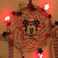 Patriotic Disney Mickey Mouse dreamcatcher w/flashing lights for sale in Kissimmee FL by Garage Sale Showcase member Charbaby29, posted 06/13/2019