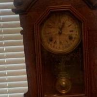 Antique Mantel Clock for sale in Bleckley County GA by Garage Sale Showcase member Lynnfreeman, posted 07/16/2019