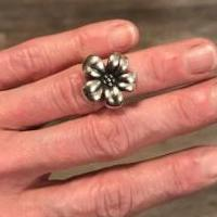 James Avery Flower Ring for sale in Kerrville TX by Garage Sale Showcase member Lauralace15, posted 05/07/2019
