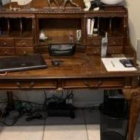 Antique desk for sale in Rockledge FL by Garage Sale Showcase member Claudita, posted 05/18/2019