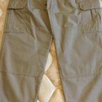 Women's khaki cargo pants for sale in Metairie LA by Garage Sale Showcase member Cheryl'sSale, posted 04/17/2019
