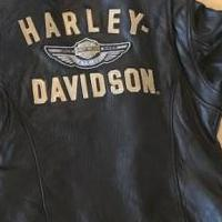 WOMENS HARLEY DAVIDSON JACKET for sale in Wills Point TX by Garage Sale Showcase member pamras, posted 04/23/2019