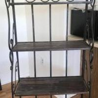 Folding shelf for sale in Wallington NJ by Garage Sale Showcase member Ericadeste87, posted 05/26/2019