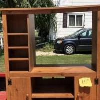 Entertainment Center for sale in Norwalk OH by Garage Sale Showcase member Mickey77, posted 08/03/2019