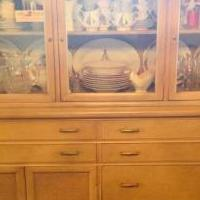Hutch and dining table for sale in Port Chester NY by Garage Sale Showcase member Tiffany34, posted 10/01/2019