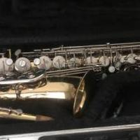 Alto saxophone for sale in Gonzales LA by Garage Sale Showcase member Kelley68, posted 11/03/2019