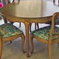 Table with 6 chairs for sale in Gurnee IL by Garage Sale Showcase member schleff@comcast.net, posted 09/09/2019