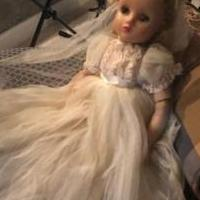 1960s Madame Alexander Bride Doll for sale in Woodstock GA by Garage Sale Showcase member MelonB, posted 10/17/2019