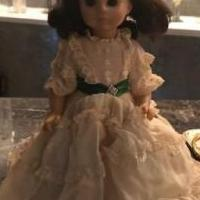 Madame Alexander Scarlett O'Hara Doll for sale in Woodstock GA by Garage Sale Showcase member MelonB, posted 10/17/2019